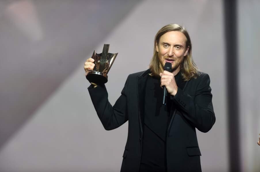 Il a ensuite reçu le trophée des 30 ans de musique électronique