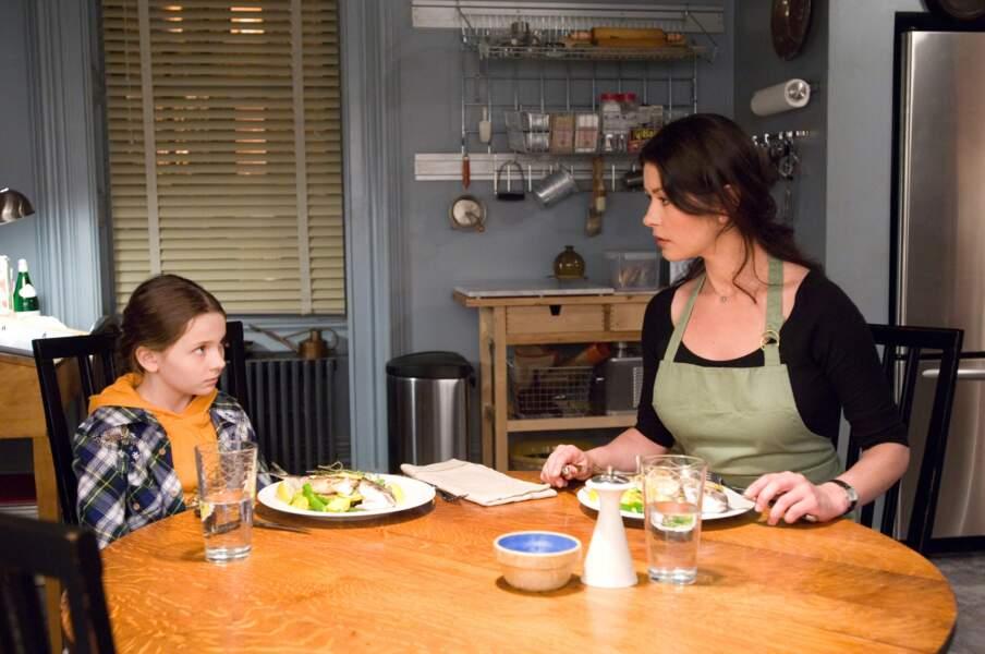 Le Goût de la vie (2007), recueilli par sa tante Catherine Zeta Jones, chef, après le décès de sa mère