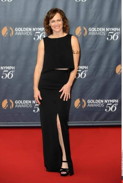 Jolie robe fendue pour Sarah Clarke