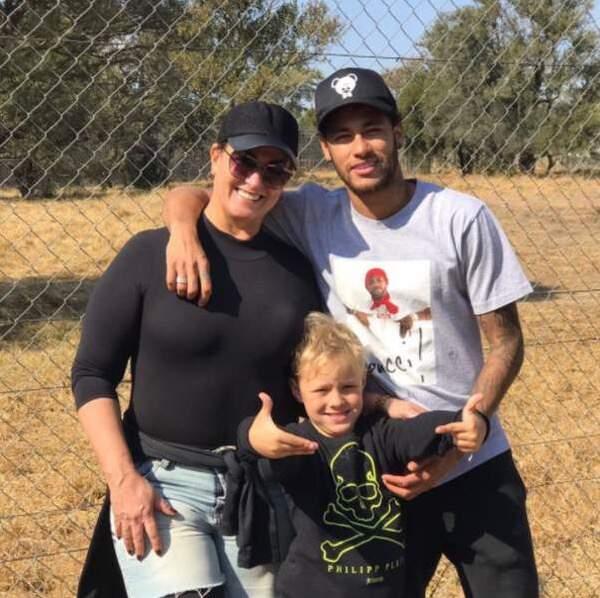 Une grand-mère comblée avec le fils de Neymar, le petit David Lucca, âgé de 8 ans