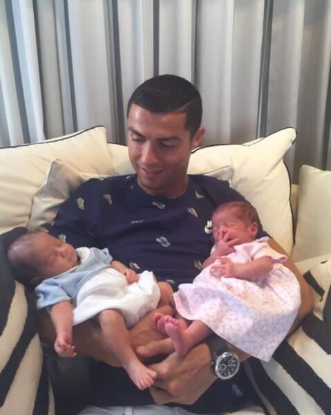 L'heureuse nouvelle de la semaine est signée Cristiano Ronaldo, qui accueille deux beaux bébés dans sa famille
