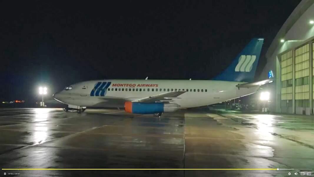 Le 7 avril 2013, Ben, Michaela et Cal prennent le vol 828 de Montego Air pour New York