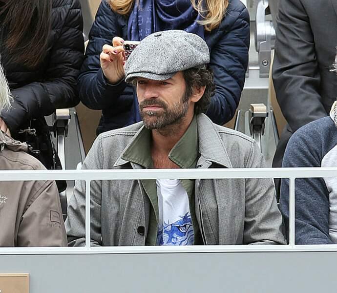 L'acteur Romain Duris nous gratifie d'un bien joli béret