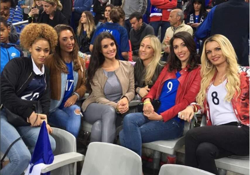 Les femmes des joueurs à fond dans les tribunes !