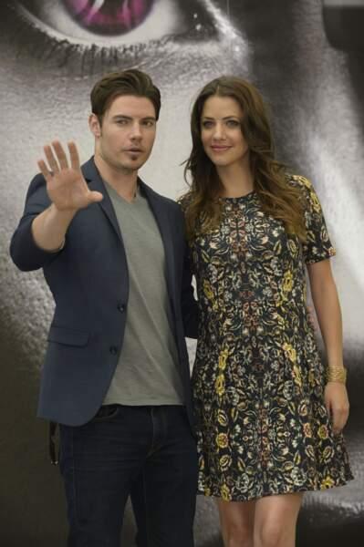 Josh Henderson (John Ross Ewing) et Julie Gonzalo (dont l'identité restera secrète pour ne pas spoiler la série).
