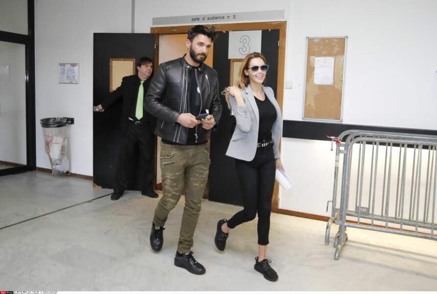 Nabilla et Thomas quittent la salle du tribunal