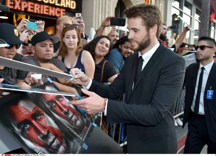 Il a néanmoins fait plaisir aux nombreux fans présents en signant des autographes