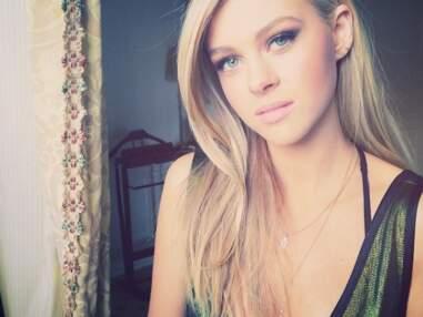 Nicola Peltz : un selfie, deux selfies, trois selfies.... l'actrice de Transformers est la reine du selfie !