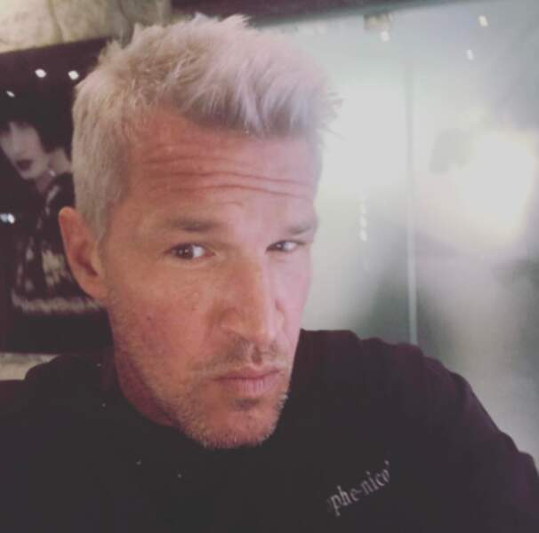 Point cheveux : Benjamin Castaldi a refait son blond.