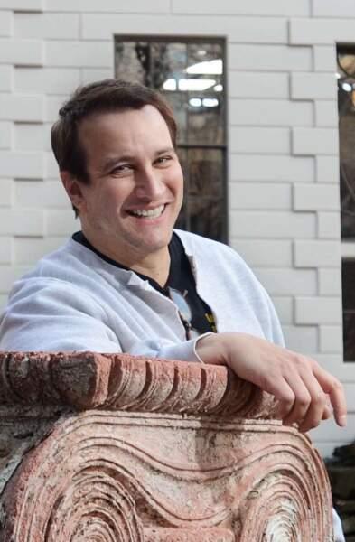 Il interprète encore des seconds rôles dans des séries comme Les Mystères de Laura ou bien Hawaï 5-0.