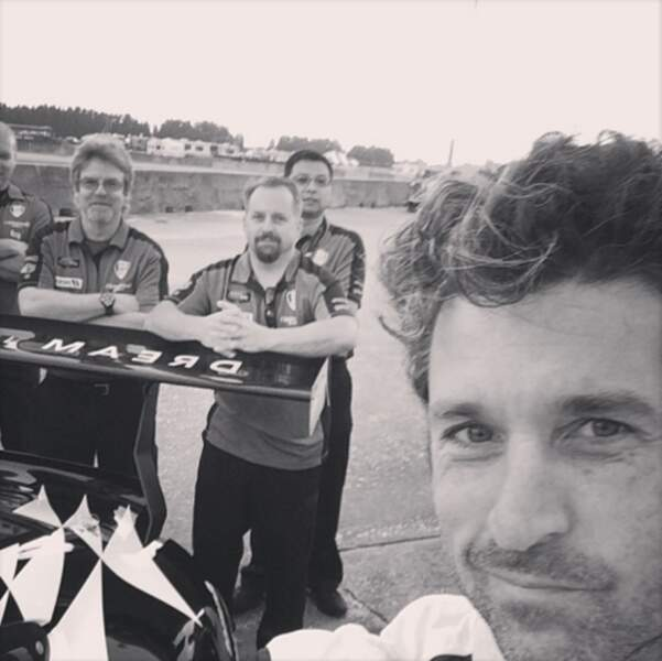 Selfie de Patrick Dempsey, lui aussi coureur automobile.