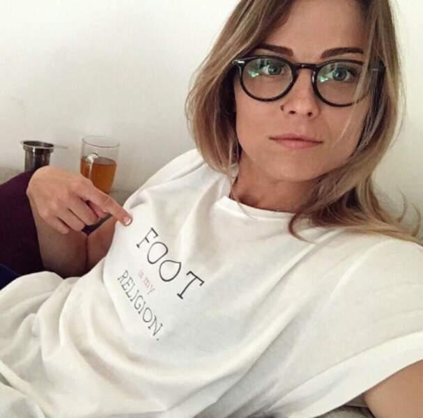 Laure Boulleau a rappelé son métier aux amnésiques par le biais de son t-shirt.