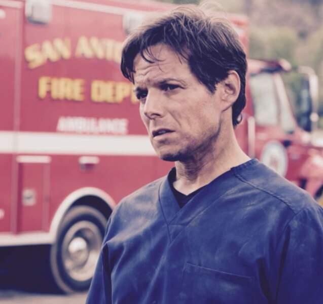 Découvert dans La Vie à cinq, Scott Wolf officie aujourd'hui dans Night Shift
