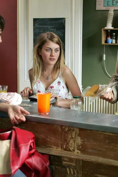 Voici la fille de Valérie (et belle-fille de Denis) : la jolie Tiphaine (Alexandra Gentil)