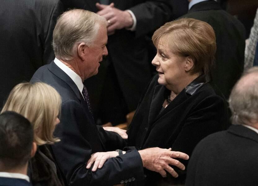 La chancelière Angela Merkel avec l'ex-vice-président américain Dan Quayle