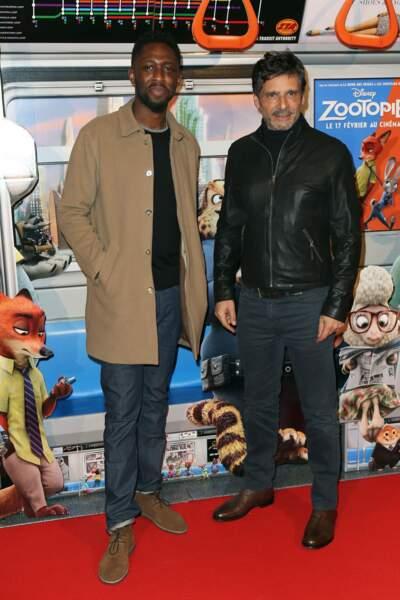 Thomas N'Gijol et Pascal Elbe sont aussi tous les deux les voix du long métrage, respectivement Yax et Bogo