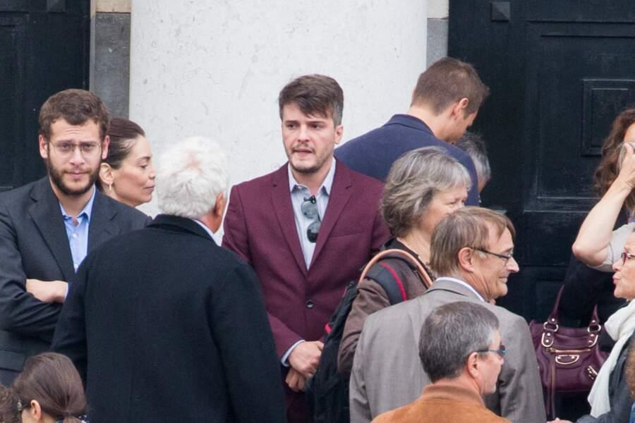 Rémy et Tristan Sarrazin aux obsèques d'Ariane Carletti, au cimetière du Père Lachaise à Paris