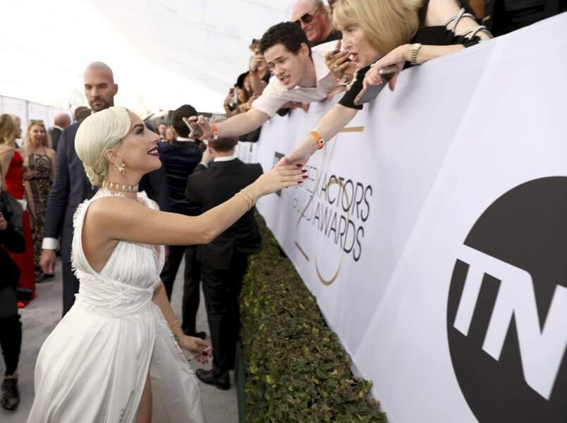 Sur scène comme sur un tapis rouge, Lady Gaga est une vraie star