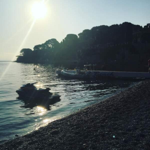 Voici une des plages où ont tourné les deux acteurs