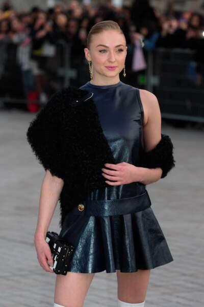 L'actrice Sophie Turner était présente mardi 7 mars au défilé Louis Vuitton à Paris