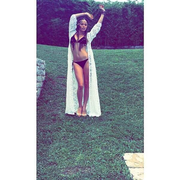 Bikini à franges pour Capucine Anav...