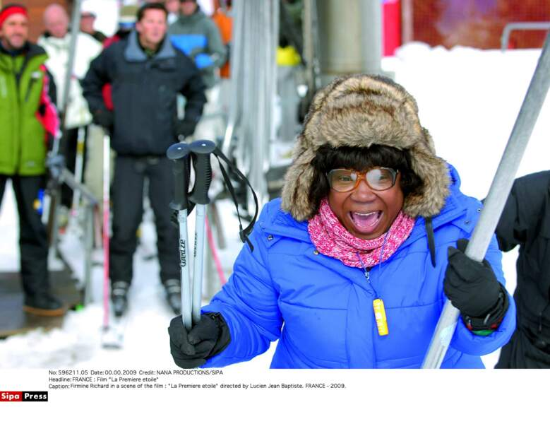 Firmine Richard tente le ski dans La Première étoile (2009)