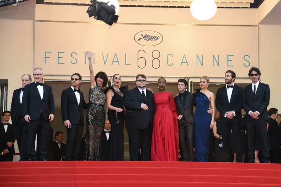 Le jury du Festival de Cannes 2015 prêt pour la cérémonie d'ouverture