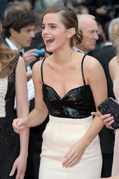 Emma Watson s'éclate sur le tapis rouge.