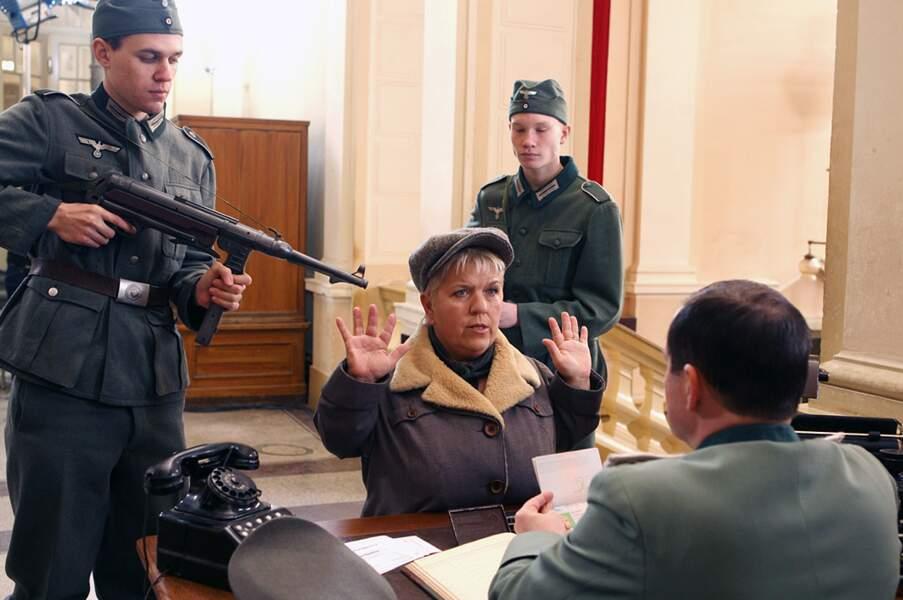 Retour dans le temps pour Mimie Mathy, résistante en pleine Seconde Guerre mondiale.