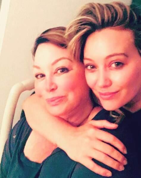 Sur Instagram, Hilary Duff est très famille, comme ici avec sa maman...