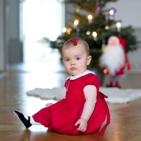 Premier vrai Noël, Estelle s'est mise en beauté pour accueillir le Père Noël