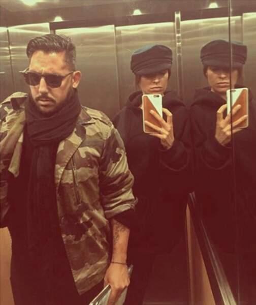 On prend des nouvelles du rappeur K-maro, qui pose fièrement dans l'ascenseur avec sa chérie