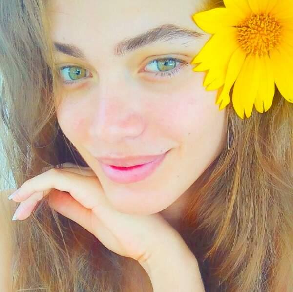 Voici la Brésilienne Valentina Sampaio, 20 ans. Elle est suivie par près de 69 000 personnes.