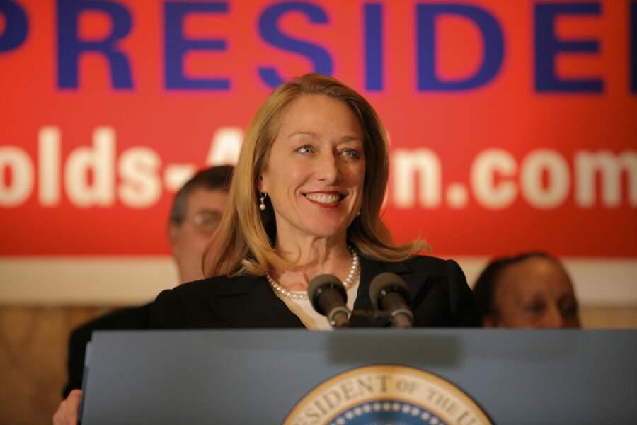 Patricia Wettig se glissait dans la peau de la présidente Caroline Reynolds