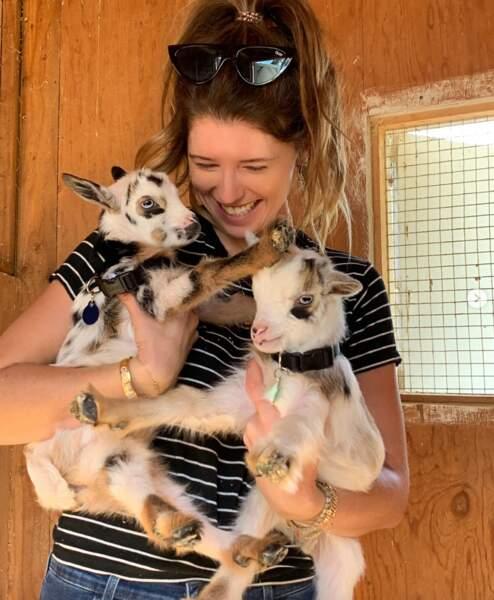 On espère en tout cas que vous rayonnez de bonheur comme Katherine Schwarzenegger et ses mini-chèvres.