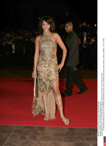 Ce n'est pas à Cannes que Nadiya remporte un trophée cette année 2005 mais aux Victoires de la musique.