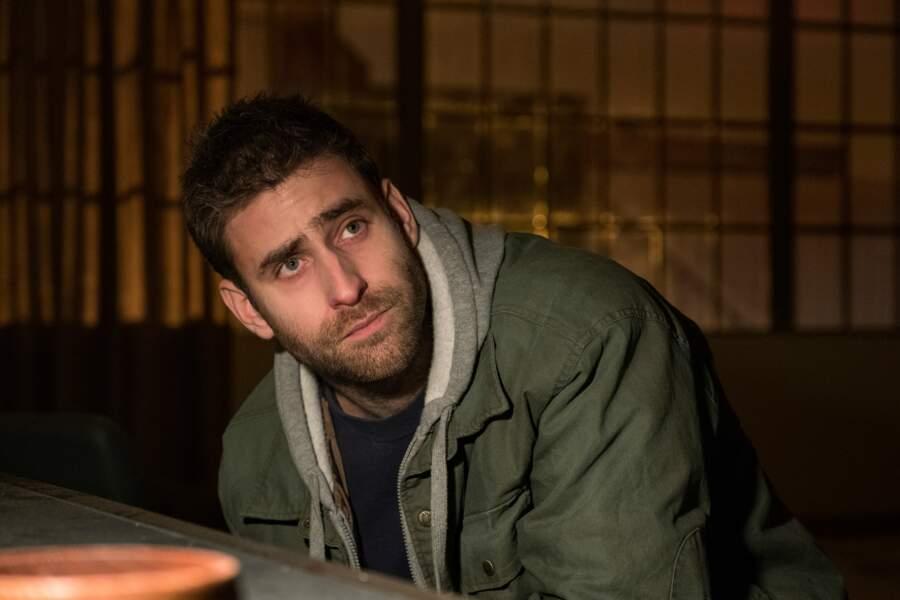 Luke est joué par Oliver Jackson-Cohen