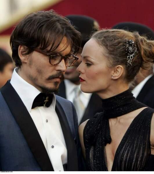 Coup de tonnerre en juin 2012 : après 15 ans de vie commune, Vanessa Paradis et Johnny Deep se séparent !