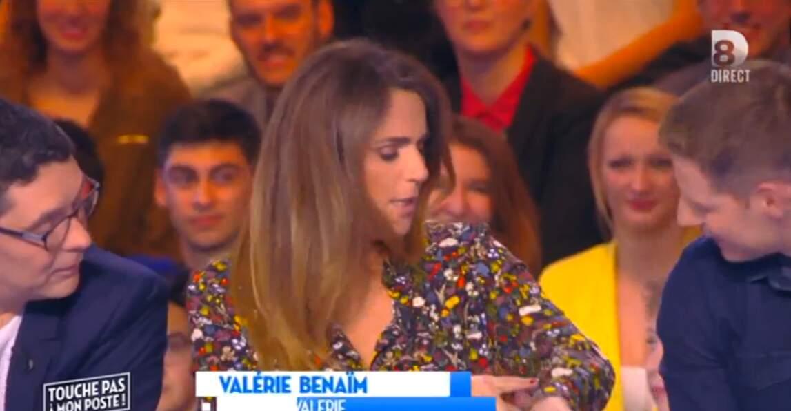 Aimez-vous le petit chemisier fleuri de Valérie Benaïm ?