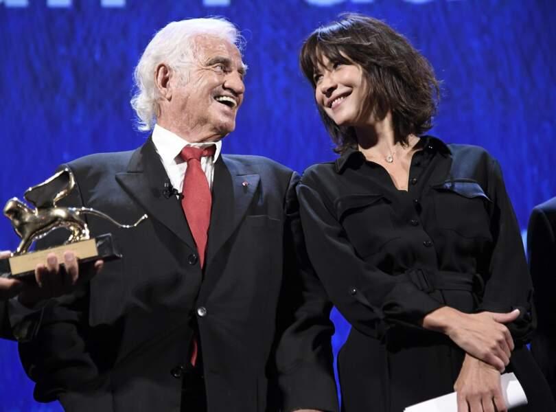 Jean-Paul Belmondo, Lion d'or d'honneur à la Mostra de Venise, ici avec Sophie Marceau