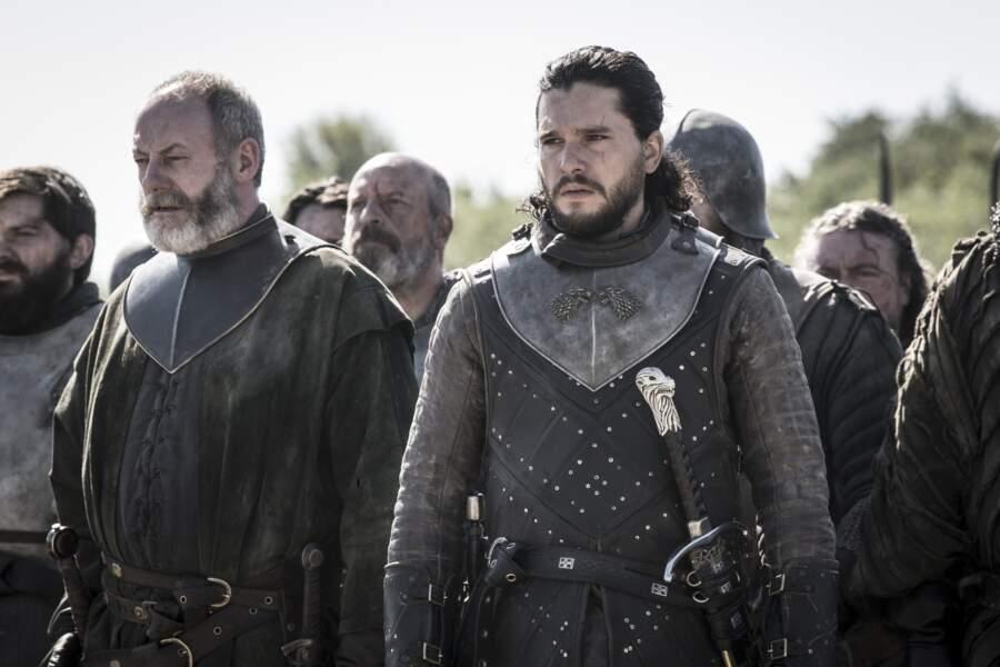 Peu importe les situations, Jon Snow garde toujours son sérieux !