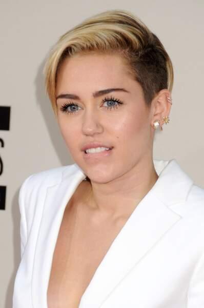 30. Miley Cyrus  (chanteuse)