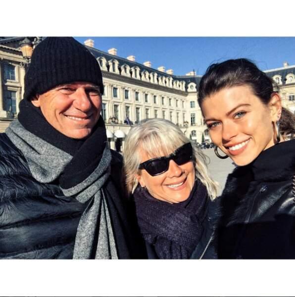 Et du choupi pour terminer : les parents de Georgia Fowler se sont rendus à Paris pour voir leur fille défiler <3