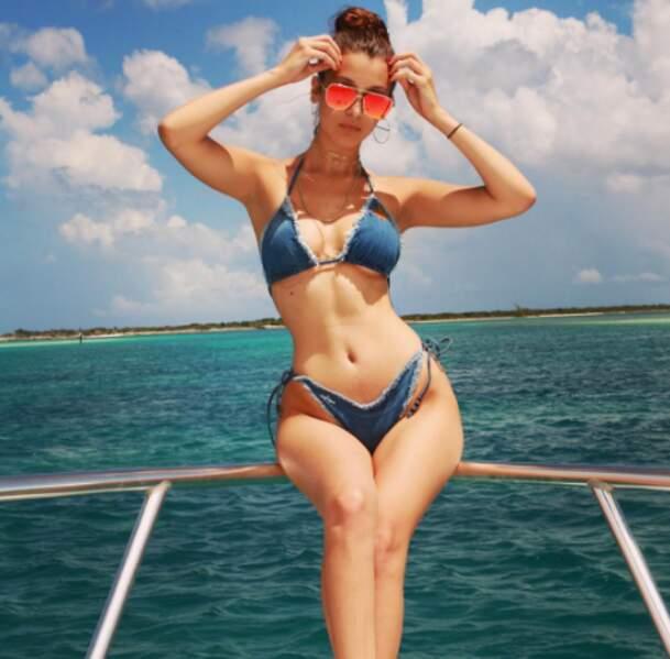 Par contre, on parle de cet horrible bikini en jean chez Bella Hadid. Non, hein ? OK.