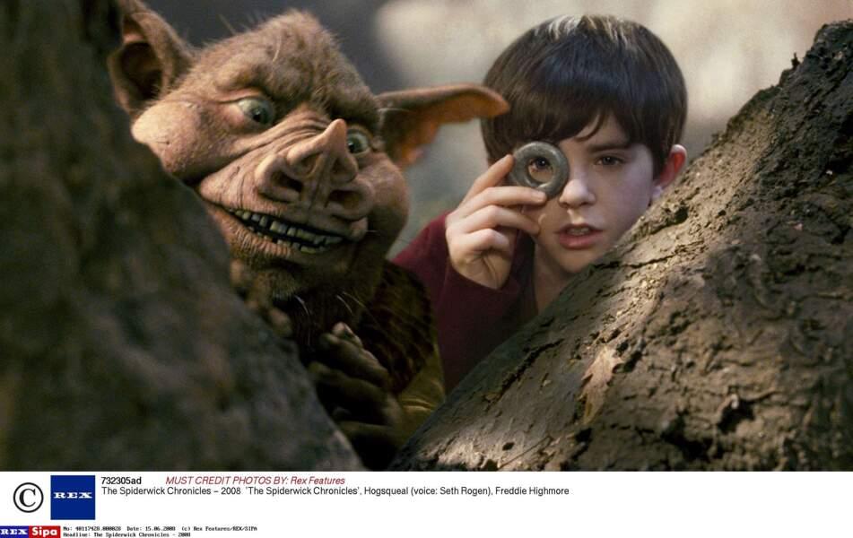 En 2008 dans Les Chroniques de Spiderwick. Il est à droite, hein !