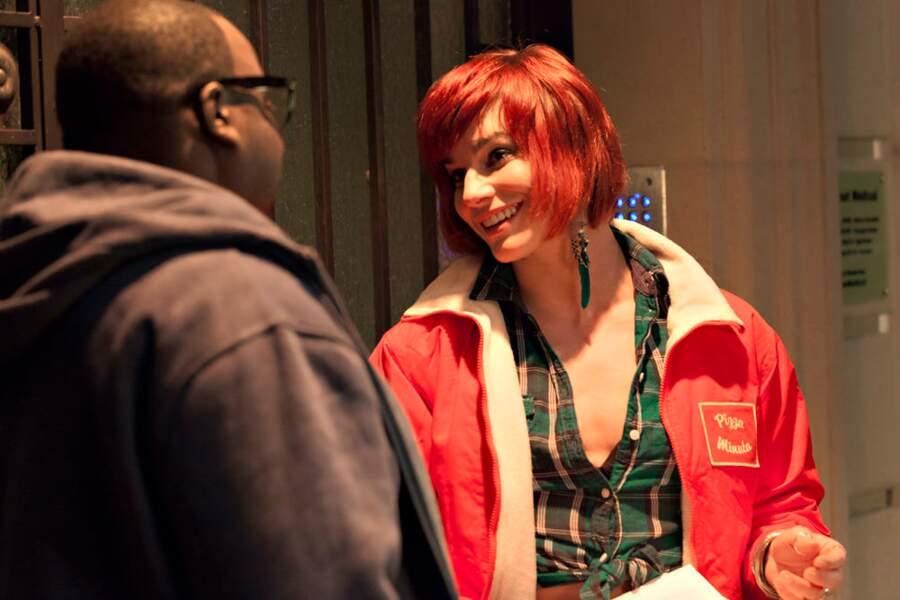 Fauve Hautot est parvenue à trouver une veste de la même couleur que ses cheveux.