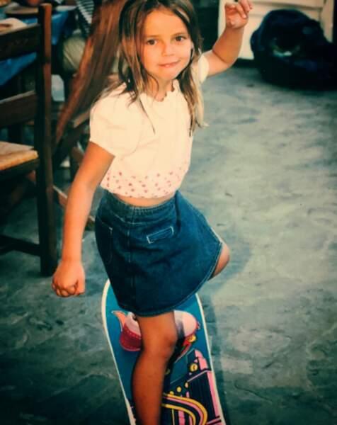 Toute petite déjà, elle aimait le sport. Elle a notamment été une grande championne de plongeon