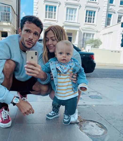 D'autres ont fait des selfies en famille à Londres.