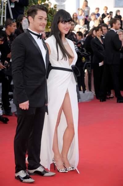 Le comédien Aurelien Wiik et sa petite amie, qui n'avait pas froid visiblement