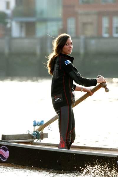 À 25 ans, la jeune Kate est sportive, ici, elle participe à une course sur la Tamise